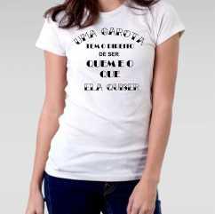 Camiseta Feminista uma Garota tem o Direito