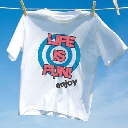 Camiseta Life Is Fun enjoy