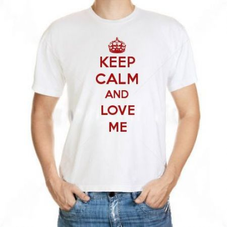 Camiseta Keep Calm And Love Me